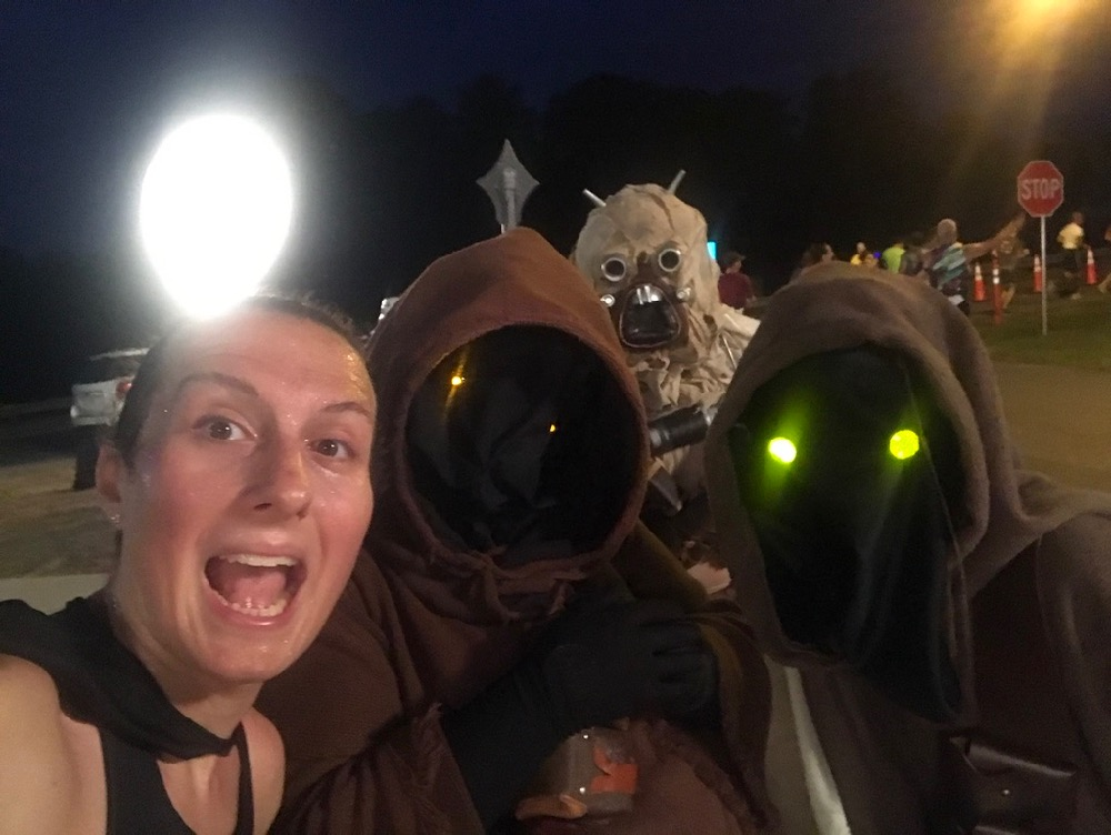 Amelia selfie with jawa at runDisney Star Wars Dark Side Half Marathon